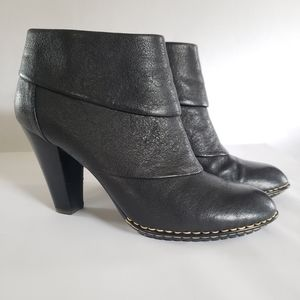Sofft black leather ankle bootie 9.5